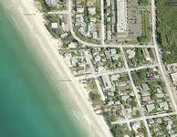 Beach Side Studio Vacation Rental on Anna Maria Island steps to Holmes Beach