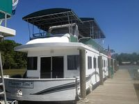 Houseboat Sleeps Up To 10 3 X Bedrooms 2 X Baths Located In Heart Of Bayou