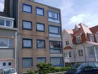 Apartment 4 p directly on the sea and beach in Ostend