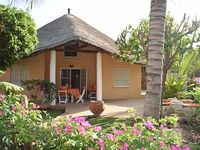 Villa in residence for 4 people with 25m pool 50m from the beach