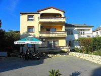 Holiday apartment Rab for 4 - 5 persons with 2 bedrooms - Holiday apartment