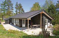 3 bedroom accommodation in Eg