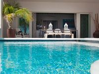 Boutique 5 apartment by the sea private pool in the historic Pietermaai