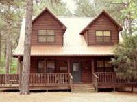 4 Bedroom cabin sleeps 8-10 Master w King 2 Bedroom w Queen 1 Bedroom w Trundle