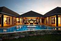 Luxury Waterfront Villa Fidji