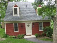 Adorable Two Bedroom Pet Friendly Cottage
