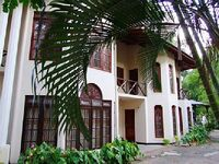 House in Kandy 5 bedrooms 6 bathrooms sleeps 16