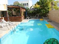 One bedroom apartment with a pool in Ashdod