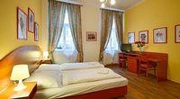 One Bedroom Apartment Sleeps 3