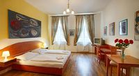 One Bedroom Apartment Sleeps 2