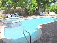 Malibu House 4 3 w Pool 10 Min to Hollywood Beach