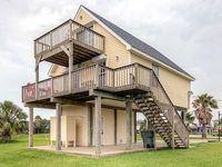 Prime 3BR Galveston House w Private Deck