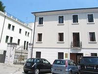 newly restrored elegant flat in the palace in the heart of Portogruaro with parking