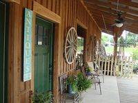 Southern Comfort Cabin B -Your Home Away From Home- Southern Comfort Cabin B