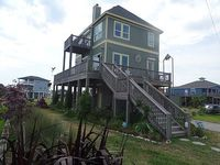 Beautifully Constructed Sleeps 12 Awesome Beach Retreat