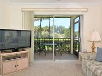 Ground floor unit with quick access to Siesta Beach Amenities