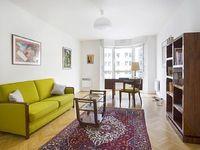 Spacious flat in Paris with Lift Internet Washing machine