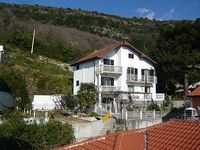 Four bedroom villa with views of Tivat bay