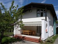 Holiday house with washer only 100m from the beach