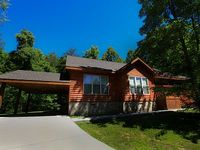 Cabin 3 Bedrooms 2 5 Baths 12 Sleeps