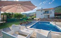 4 bedroom accommodation in Kastel Stari