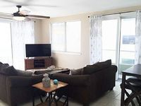 Condo 3 bedrooms 2 baths Sleeps 9