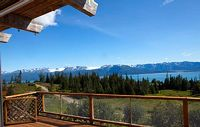 3 br fenced pet family friendly chalet with mountain ocean and glacier views