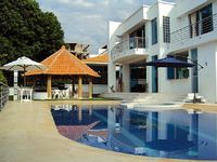 Villa in Melgar 4 bedrooms 5 bathrooms sleeps 10