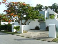 4 Bedrooms 3 Bathrooms Fully Air-Conditioned Own Pool 50 Smart Tv Wifi