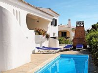 Villa w pool built-in BBQ Wi-Fi + air con 20 min walk to the marina