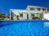 Villa for 6 people near the beach
