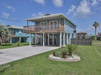 Labor Day available NEW BEACH HOME LISTING Pets welcome Boat Slip Included