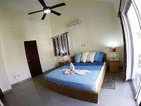 0070-Elegant 2 Bedroom Condo Close to the Beach