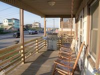 Excellent location steps to beach great view chic + upgraded beach home