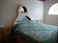 3 Bedrooms 1 Bathrooms 8 Sleeps