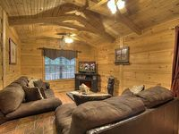 1 Bedroom 1 Bath Cabin Sleeps 6