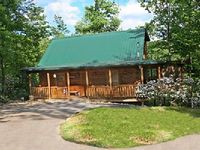 2 Bedroom 2 Bath Cabin Sleeps 4