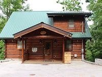 Low Rates On This Spacious Cabin With Great Views 12 Min From Gatlinburg
