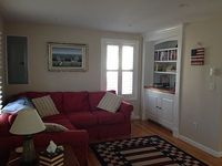 Great Newport Cottage Walking Distance to Town and Narragansett Bay