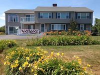 5 Bedroom 2 Bathroom Located 200 Back From Short Sands Beach Biddeford Me