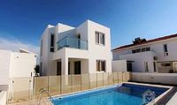 Villa in Perivolia 2 bedrooms 2 bathrooms sleeps 4