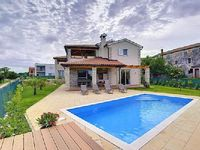 Holiday house Novigrad for 6 - 8 persons with 3 bedrooms - Holiday house