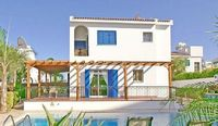 Villa in Protaras 4 bedrooms 2 bathrooms sleeps 8