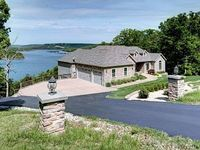 7 Bdrm 5 Baths On Table Rock Lake Close to Integrity Hills Dogwood Canyon