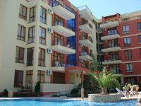 Large luxury apartment in a highly sought after 4 star complex within 5 minutes