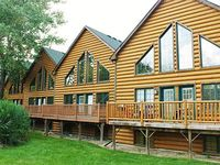 Scenic Vacation Resort Next to Starved Rock State Park and Indoor Waterpark