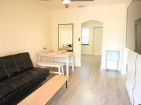 Private Comfy 2BR + Dining Nightlife