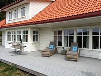 Recent major holiday two living rooms 5 bedrooms two bathrooms Quiet area swimming beach