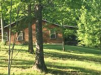 Enjoy this log cabin getaway in the Daniel Boone National Forest Quiet serene
