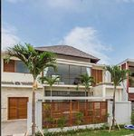 Villa in Seminyak 4 bedrooms 4 5 bathrooms sleeps 12